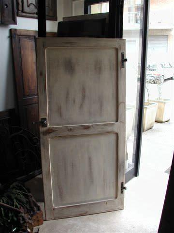 Da piccola porta vecchia a porta in shabby portantica - Porte shabby chic ...