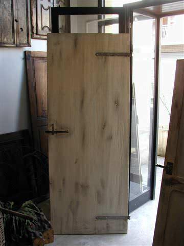 Vecchia porta rustica trasformata in shabby portantica for Porte della casa di tronchi