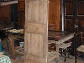 Piccola porta vecchia dopo l'allungamento
