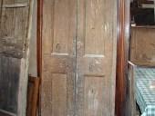 Porta antica laccata prima del restauro, sara' finita in shabby.