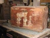 Un altro vecchio baule in legno da restaurare e finire in shabby