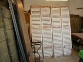 Ante armadio persiana shabby chic; le due coppie di persiane trasformate in shabby naturale