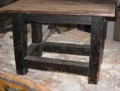 Il tavolinetto antico prima della trasformazione in shabby