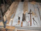 Il portone durante l'intervento di restauro