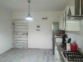 Il Portone in shabby inserito nell'interno cucina