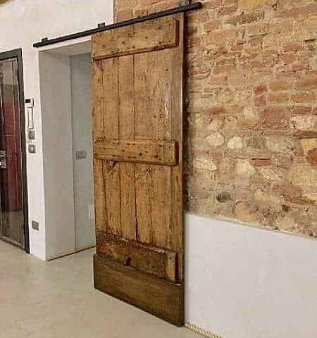 Porta antica rustica scorrevole